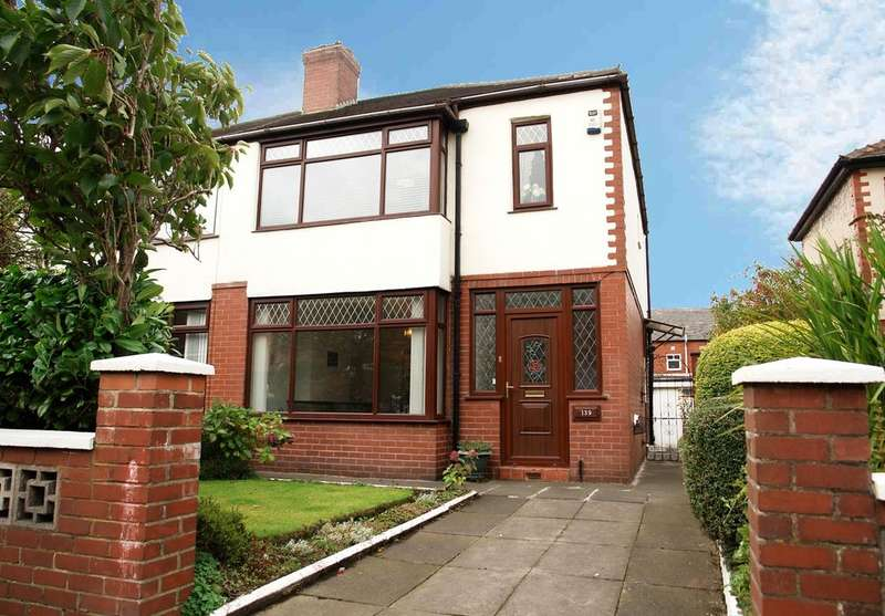 3 Bedrooms Semi Detached House for sale in 139 Oakbank Avenue, Chadderton