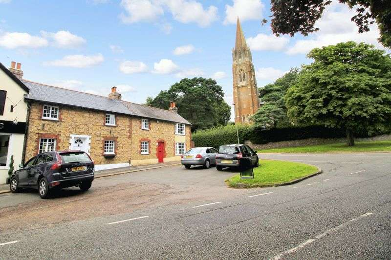 2 Bedrooms Terraced House for sale in Church Road, St. Johns, Redhill