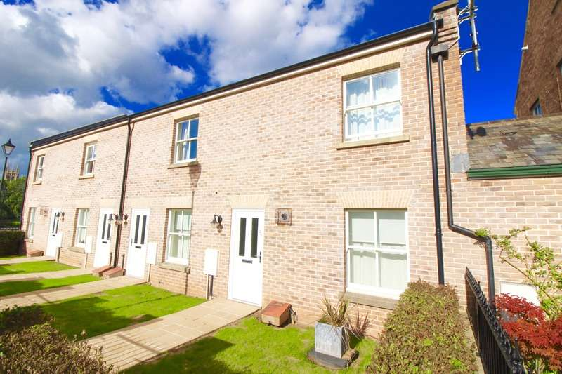2 Bedrooms Flat for sale in St Josephs Field, Taunton, Somerset, TA1