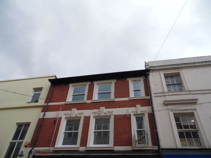 1 Bedroom Flat for sale in High Street, Merthyr Tydfil