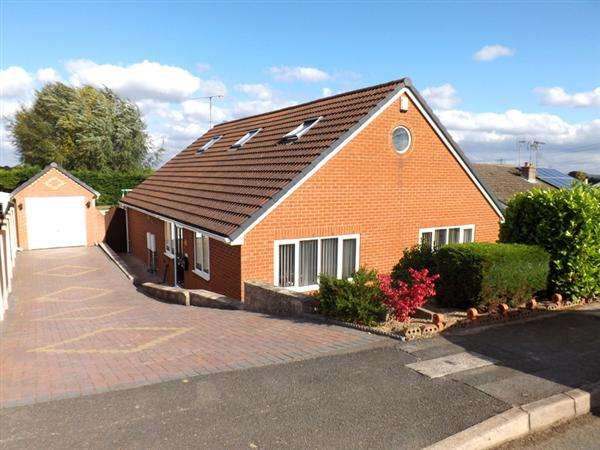 5 Bedrooms Bungalow for sale in Bamford Road, Chesterfield