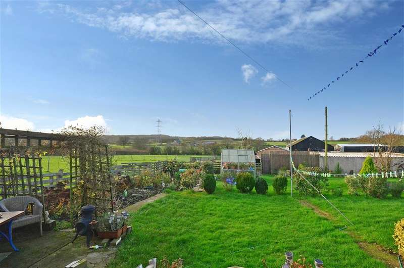 3 Bedrooms Detached Bungalow for sale in Pallance Lane, Northwood, Isle of Wight