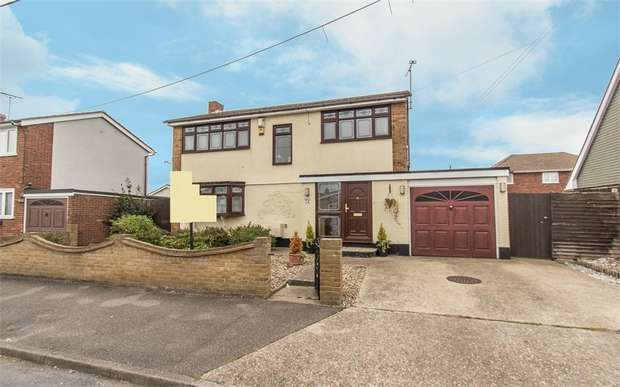 4 Bedrooms Detached House for sale in Maurice Road, Canvey Island, Essex