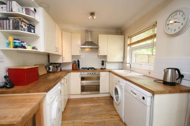 4 Bedrooms Terraced House for sale in River Road, Brentwood