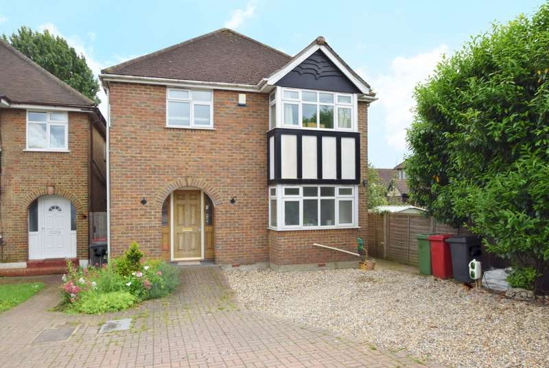 4 Bedrooms Detached House for sale in Bath Road, Near Burnham, Slough, SL1
