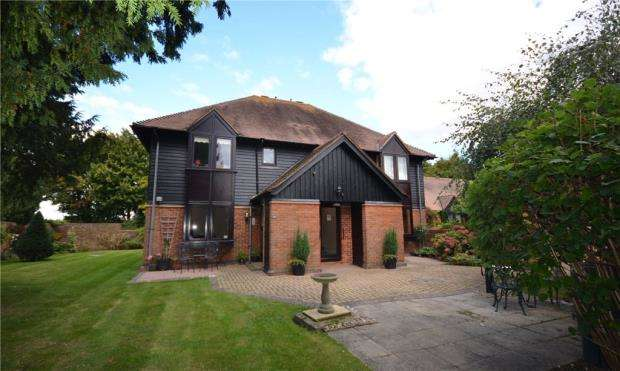 1 Bedroom Apartment Flat for sale in Palace Gate, Odiham, Hook