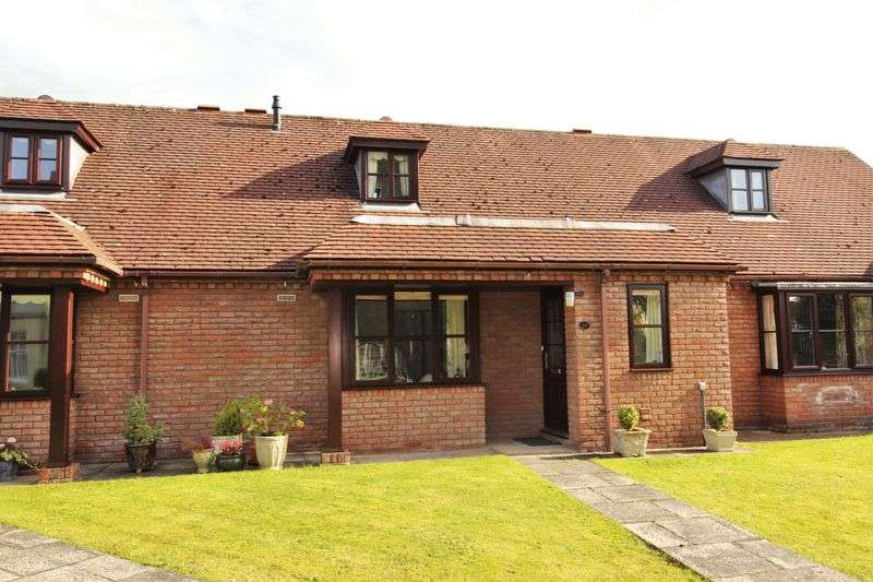 2 Bedrooms Semi Detached Bungalow for sale in 26 Trimpley Court, Ellesmere