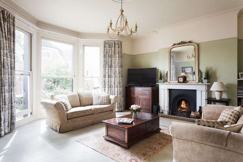 4 Bedrooms Flat for sale in The Pantiles, Tunbridge Wells