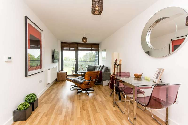 1 Bedroom Flat for sale in Cranston Court, Shepherd's Bush, W12