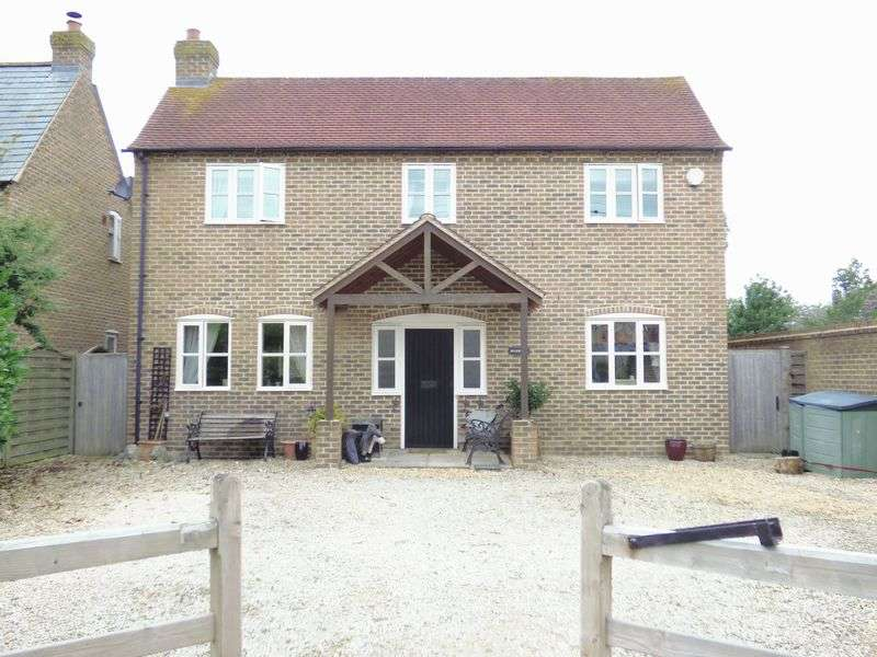 4 Bedrooms Detached House for sale in High Street, Arlingham, Gloucester