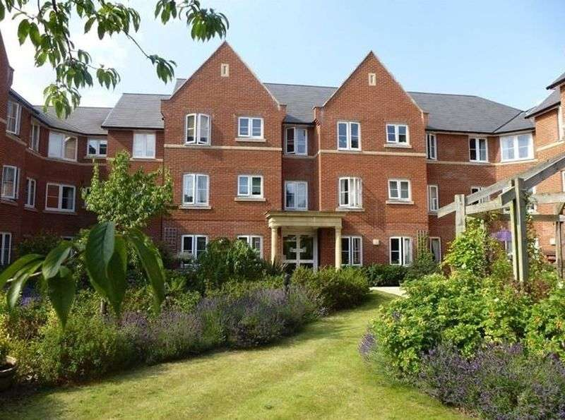 1 Bedroom Flat for sale in Foxhall Court,School Lane, Banbury: One bed first floor Assisted Living retirement apartment