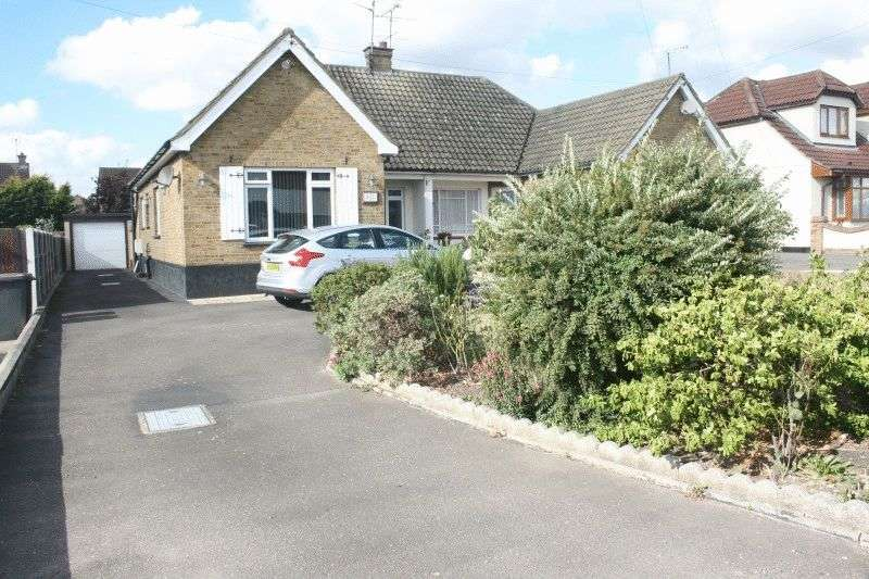 2 Bedrooms Semi Detached Bungalow for sale in Ashingdon Road, Rochford