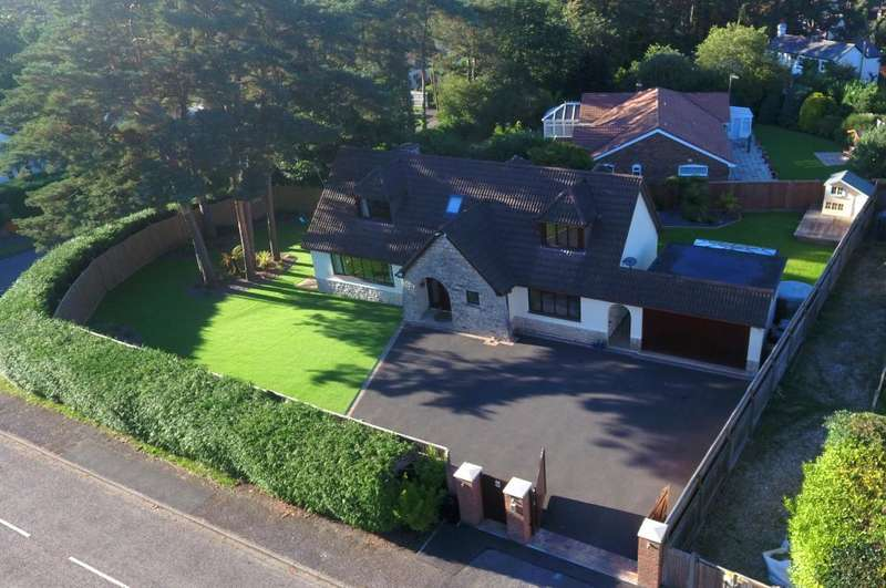 5 Bedrooms Detached House for sale in Malmesbury Road, St Leonards, Ringwood, BH24 2QL