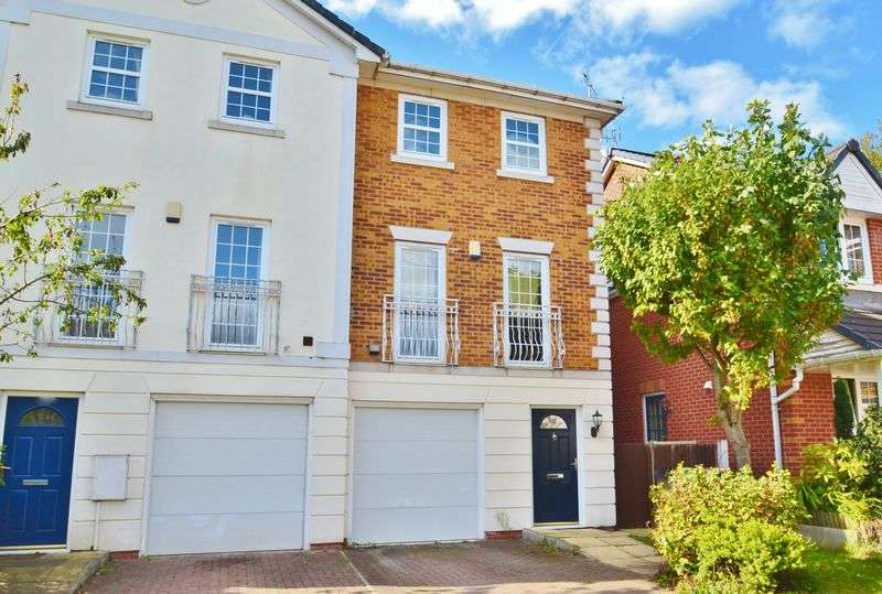 3 Bedrooms Semi Detached House for sale in Chaplin Close, Salford