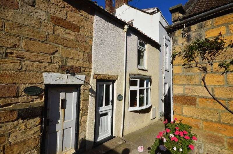 3 Bedrooms Cottage House for sale in The Parade, Whitby