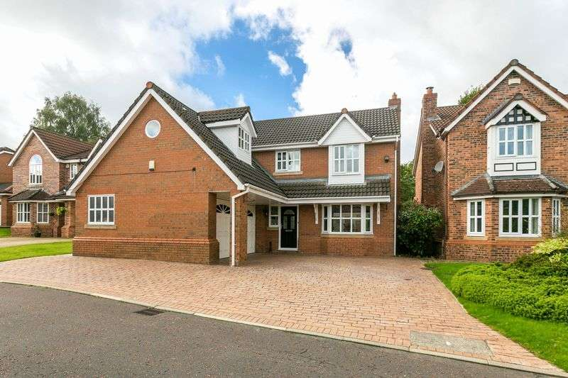 4 Bedrooms Detached House for sale in Harvest Drive, Whittle-le-Woods, PR6 7QL