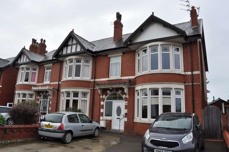 4 Bedrooms Semi Detached House for sale in Lytham Road, South Shore, Blackpool, FY4 1JD