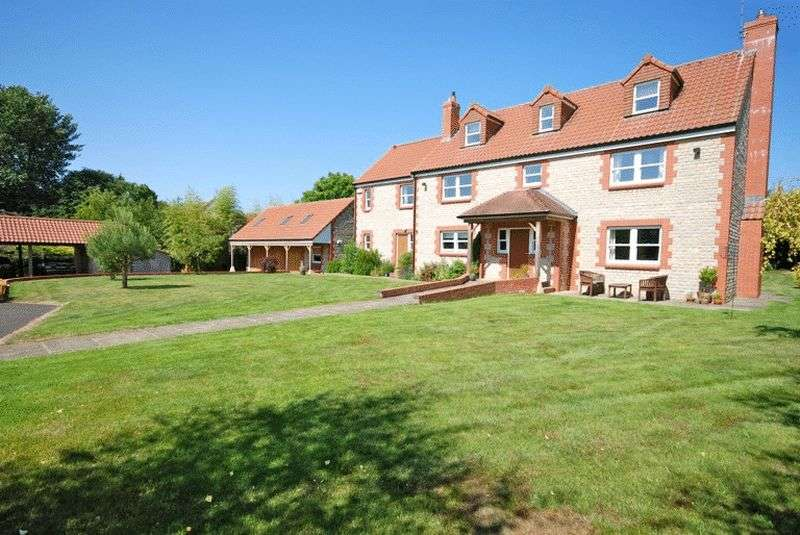 7 Bedrooms Detached House for sale in Close to WELLS