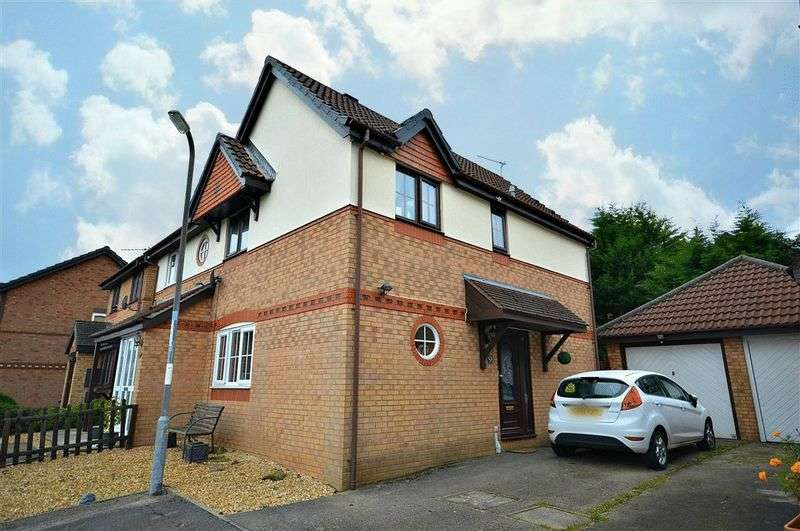 3 Bedrooms Semi Detached House for sale in Hendre Court, Cwmbran