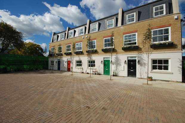 3 Bedrooms Terraced House for sale in Penny Farthing Mews, High Street, Hampton Hill