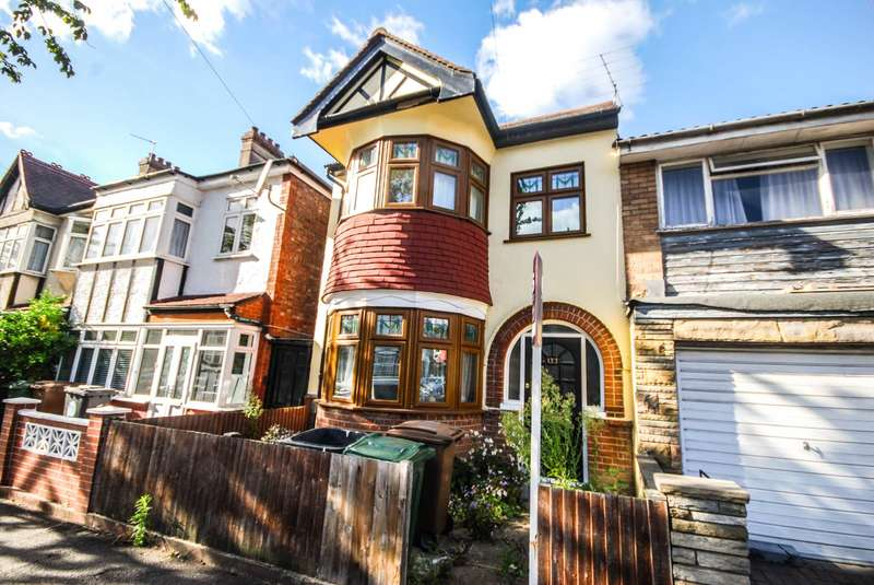 3 Bedrooms House for sale in Canterbury Road, Leyton
