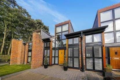 3 Bedrooms Barn Conversion Character Property for sale in Culcheth Hall Farm Barns, Withington Avenue, Culcheth, Warrington