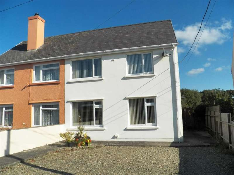 3 Bedrooms Property for sale in Maesyllan, LLECHRYD
