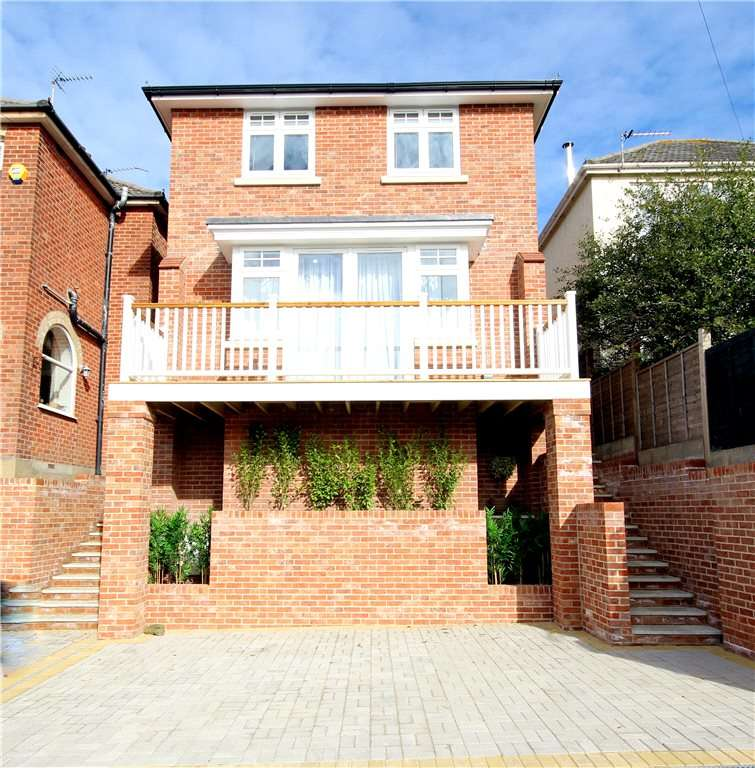 4 Bedrooms Detached House for sale in Queens Road, Lower Parkstone, Poole, Dorset, BH14