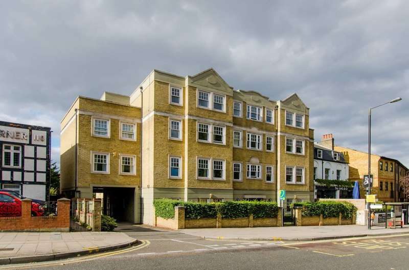 3 Bedrooms Flat for sale in Mount Lodge, Clapham, SW4