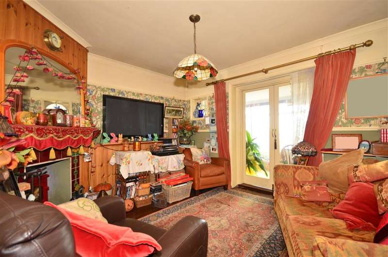2 Bedrooms Detached House for sale in St. Albans Gardens, Ventnor, Isle of Wight