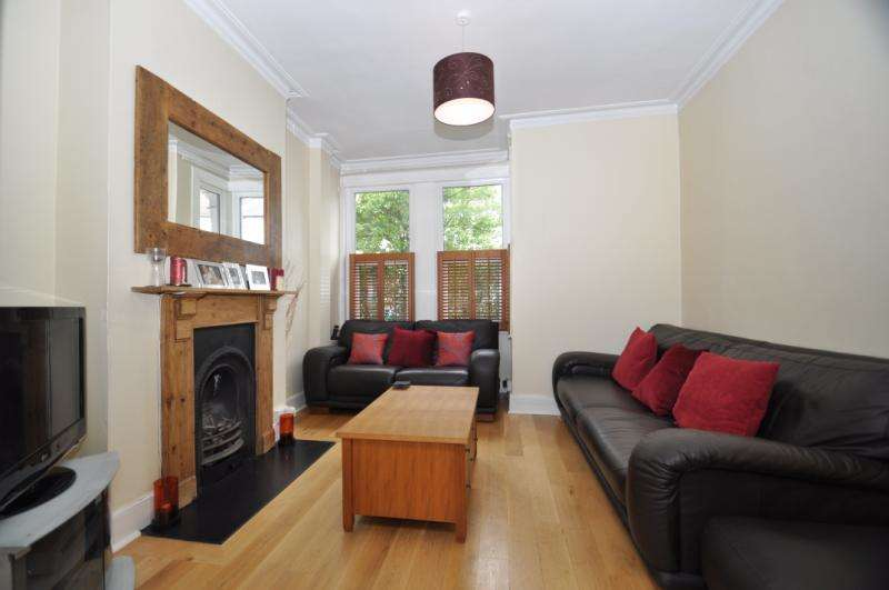 3 Bedrooms Terraced House for sale in Laburnum Road, Wimbledon, London, SW19