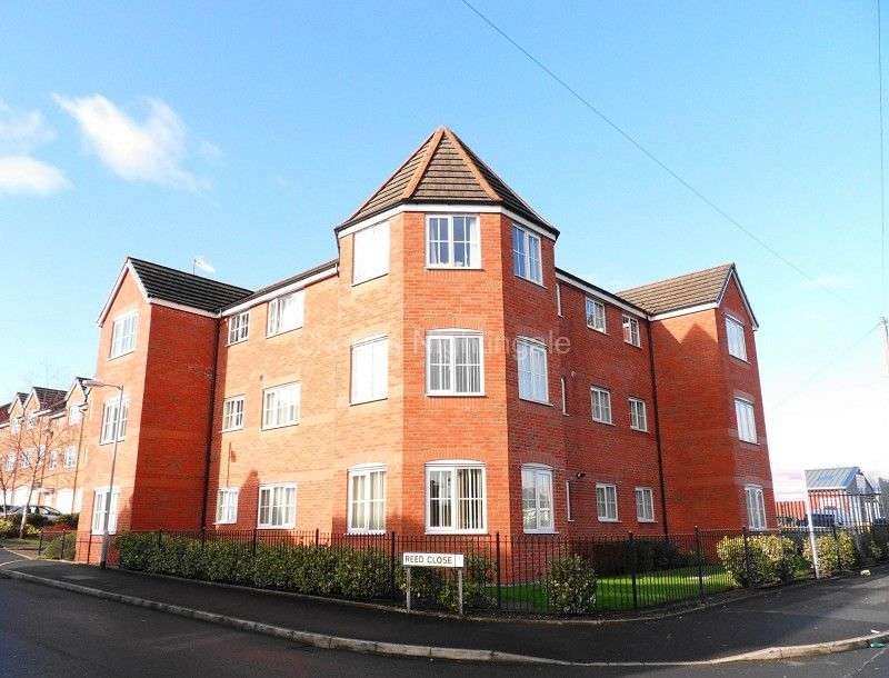 2 Bedrooms Flat for sale in Reed Close, Farnworth, Bolton, Greater Manchester. BL4 7EF