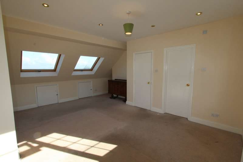 4 Bedrooms Semi Detached House for sale in Coleridge Road, Addiscombe, CR0