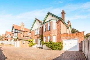 5 Bedrooms Detached House for sale in Park Avenue, Dover, Kent