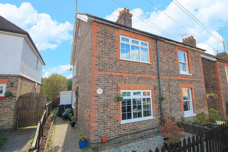 4 Bedrooms Semi Detached House for sale in Stockwell Road, East Grinstead