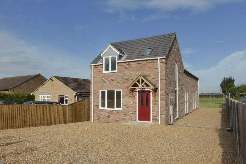 3 Bedrooms Detached House for sale in Back Road, Murrow, Cambirdgeshire
