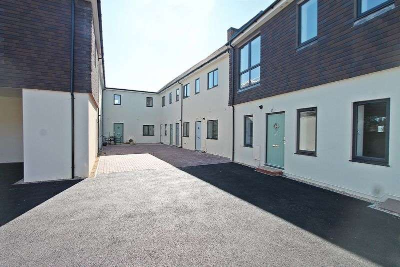 2 Bedrooms Flat for sale in Southampton Hill, Titchfield