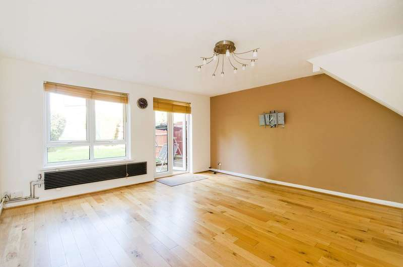 2 Bedrooms Terraced House for sale in Canterbury Road, North Harrow, HA2