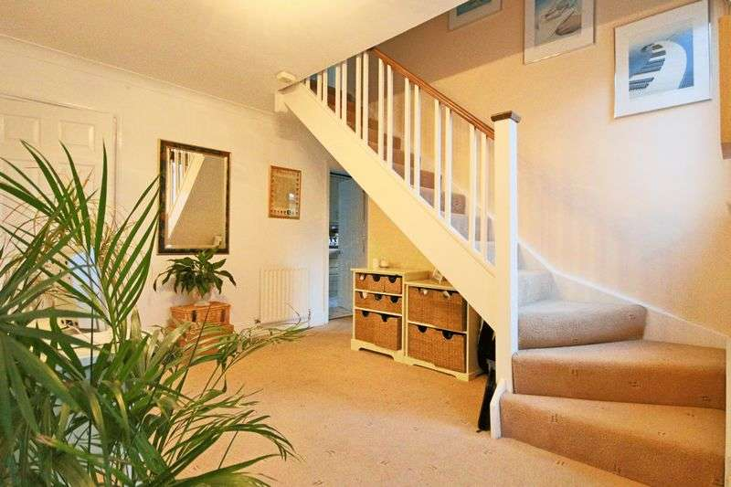 5 Bedrooms Detached House for sale in North Weald Bassett, Epping CM16