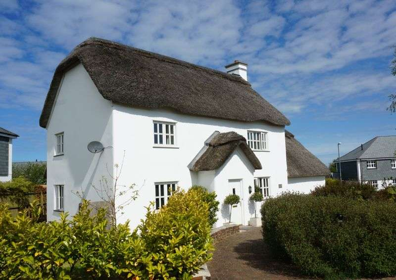 3 Bedrooms Detached House for sale in Bay Tree Cottage, Week St Mary