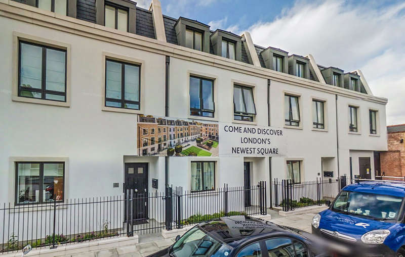 3 Bedrooms Flat for sale in The Redcliffe, London Square, Fulham