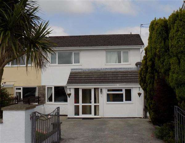 4 Bedrooms Semi Detached House for sale in St Leonards Avenue, Crundale, Haverfordwest