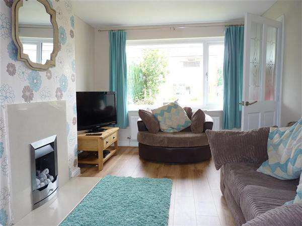 3 Bedrooms Semi Detached House for sale in Bannister Hall Drive, Higher Walton, Preston