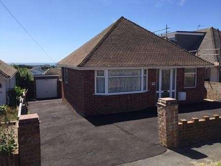 2 Bedrooms Bungalow for sale in Oaklands Avenue, BN2