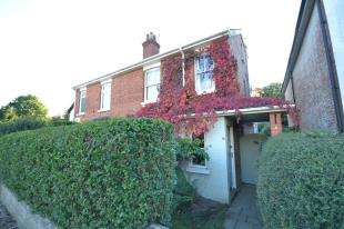 3 Bedrooms Semi Detached House for sale in Dorking Road, Tunbridge Wells, Kent