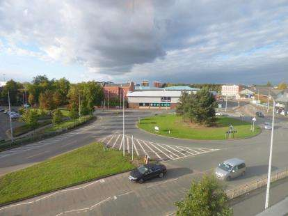 2 Bedrooms Flat for sale in Dutton Court, Warrington, Cheshire, WA1