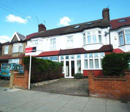 4 Bedrooms Terraced House for sale in Lincoln Road, Enfield, Hertfordshire