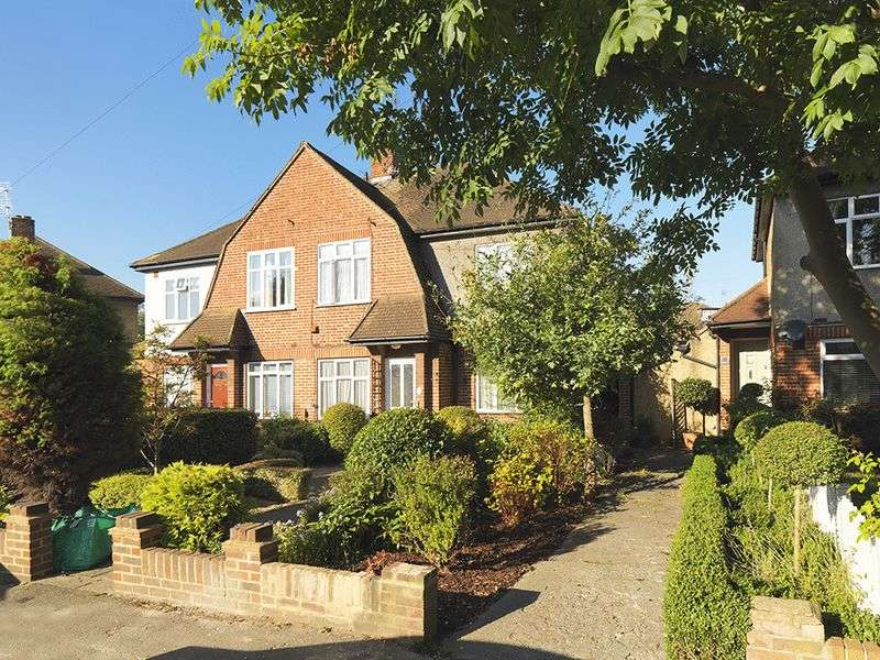 2 Bedrooms Flat for sale in Speer Road, Thames Ditton, KT7