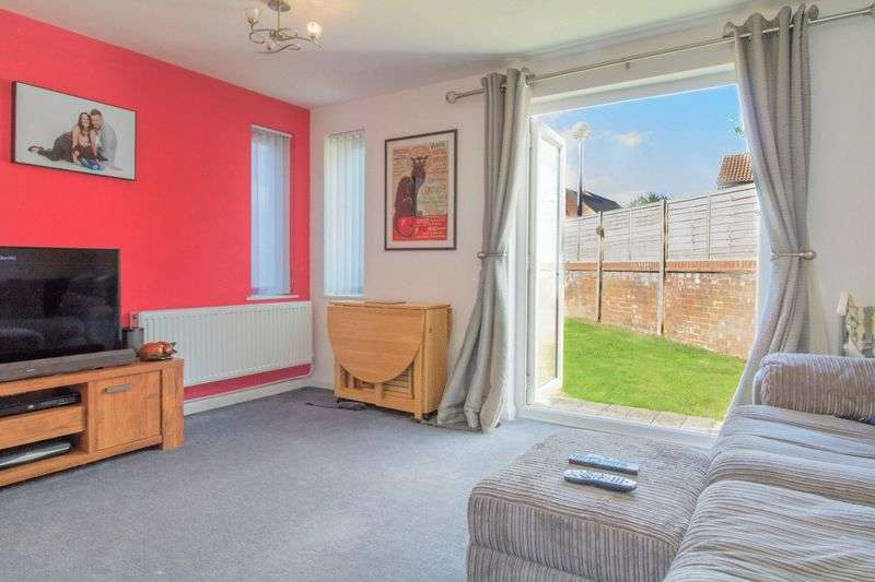 3 Bedrooms Semi Detached House for sale in Smeaton Close, Blakelands, Milton Keynes