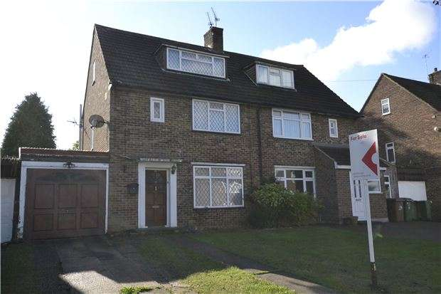3 Bedrooms Semi Detached House for sale in Hamilton Way, WALLINGTON, Surrey, SM6 9NJ